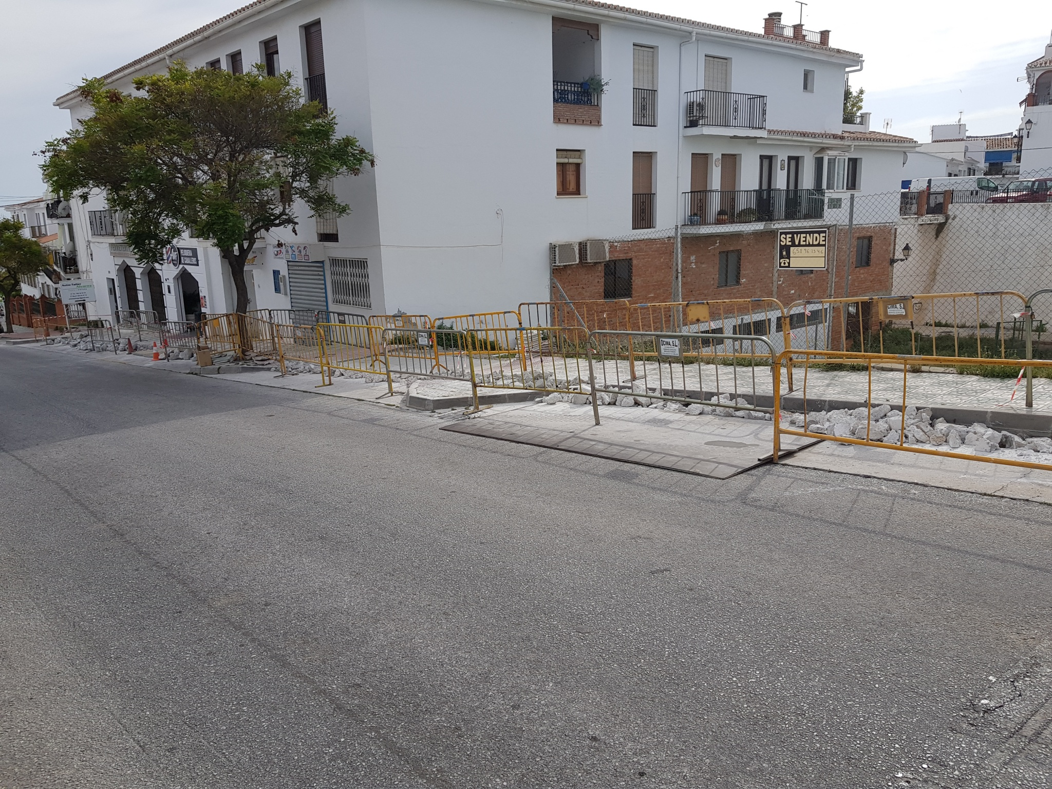 Fiber optic will reach ​​Avenida Andalucía and Cortijo San Rafael