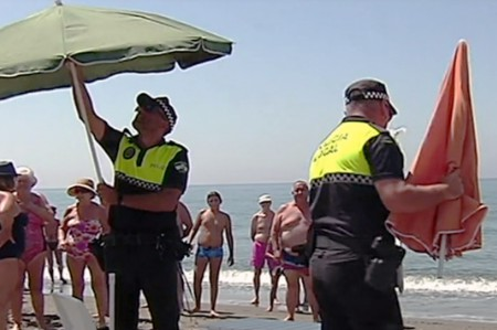 Fines in Torrox for booking a place on the beach